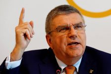 Donald Trump welcomes IOC president Thomas Bach to White House on Thursday