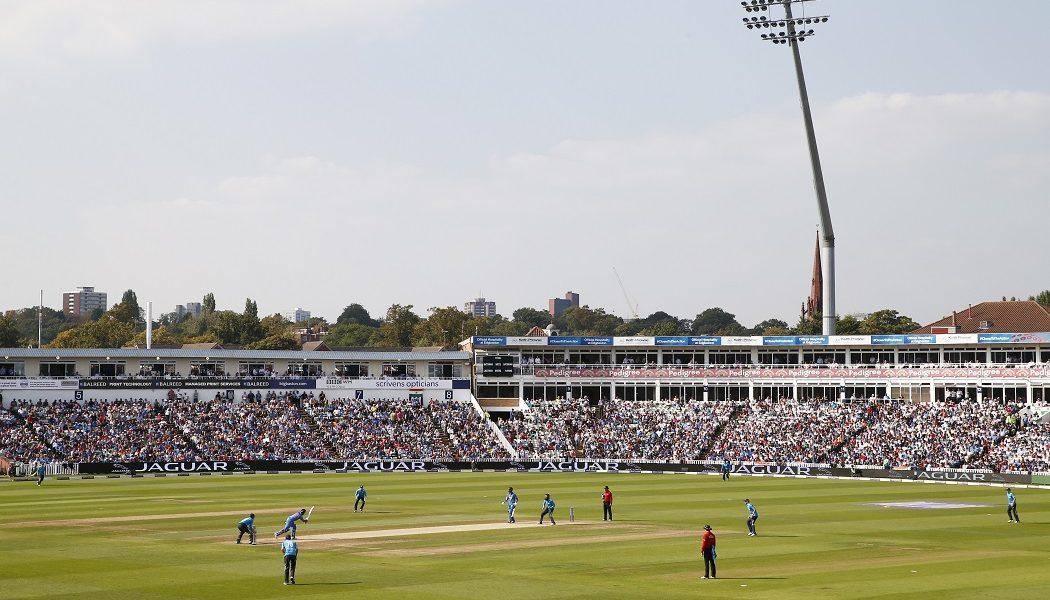 Warwickshire CCC signs partnership with MensTweedSuits.com
