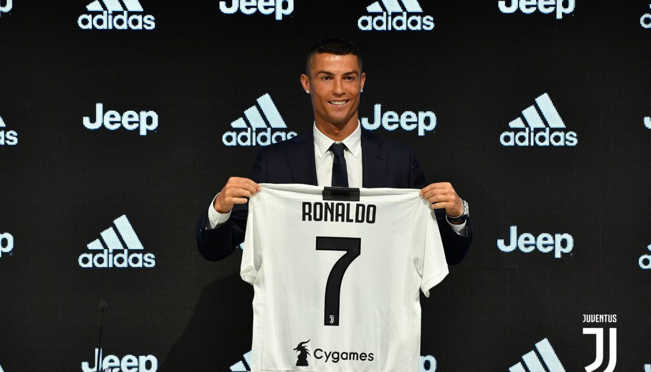 low priced 43680 2dbc3 Ronaldo Generates Record Shirt Sales At Juventus - iSportConnect